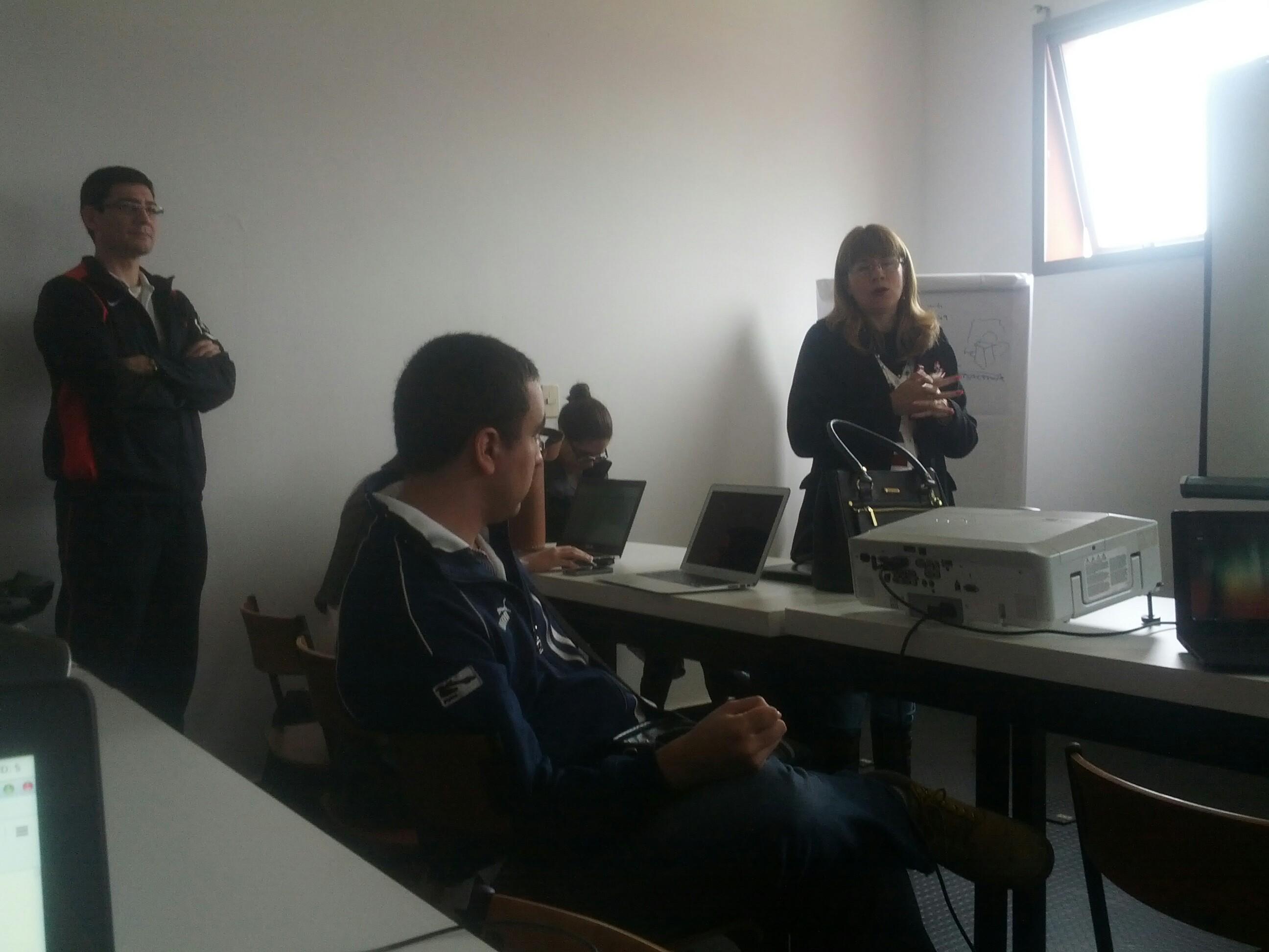 Hacks Hackers Asunción - La ruta del dinero